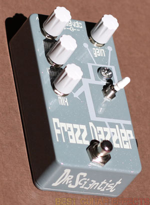 Dr-Scientist-Frazz-Dazzler-Review-Best-Fuzz-Distortion-Pedal-02