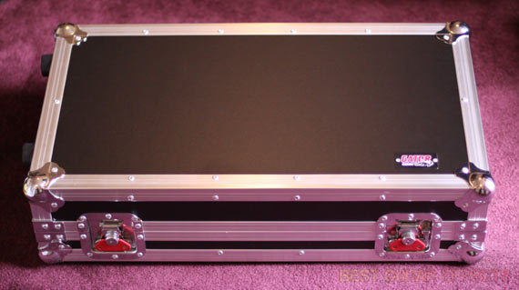 Gator-Cases-G-Tour-Pedalboard-LGW-Review-Best-Pedalboard-Flight-Case-02