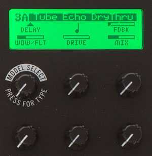 Line-6-M9-Review-Best-Multi-Effects-Pedal-04
