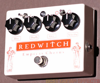 Red-Witch-Empress-Chorus-Review-Best-Guitar-Modulation-Pedal-03