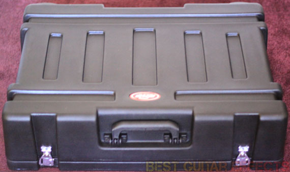SKB-PS-55-Stagefive-Pedalboard-Review-Best-Powered-Pedalboard-Case-02