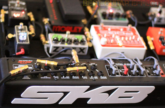 SKB-PS-55-Stagefive-Pedalboard-Review-Best-Powered-Pedalboard-Case-03