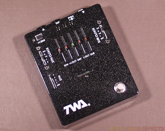 TWA-Great-Divide-2-0-Review-Best-Analog-Synth-Octave-Pedal-01